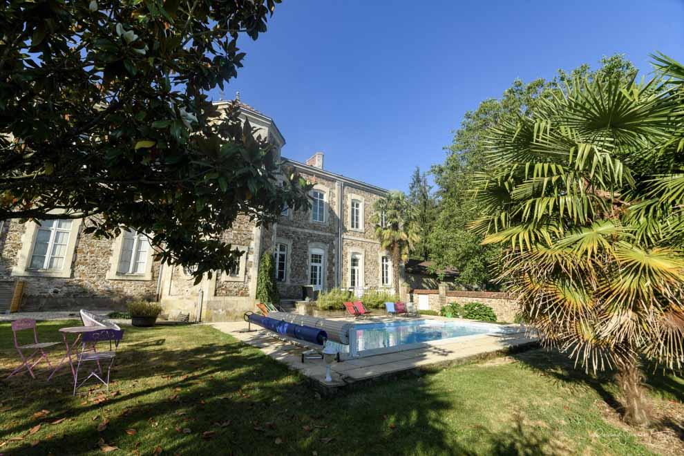 Gîte de 4 personnes en Vendéee avec piscine chauffée et grand jardin