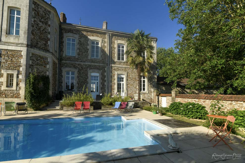 Gîte 5 personnes avec piscine chauffée partagée à proximité du Puy du Fou