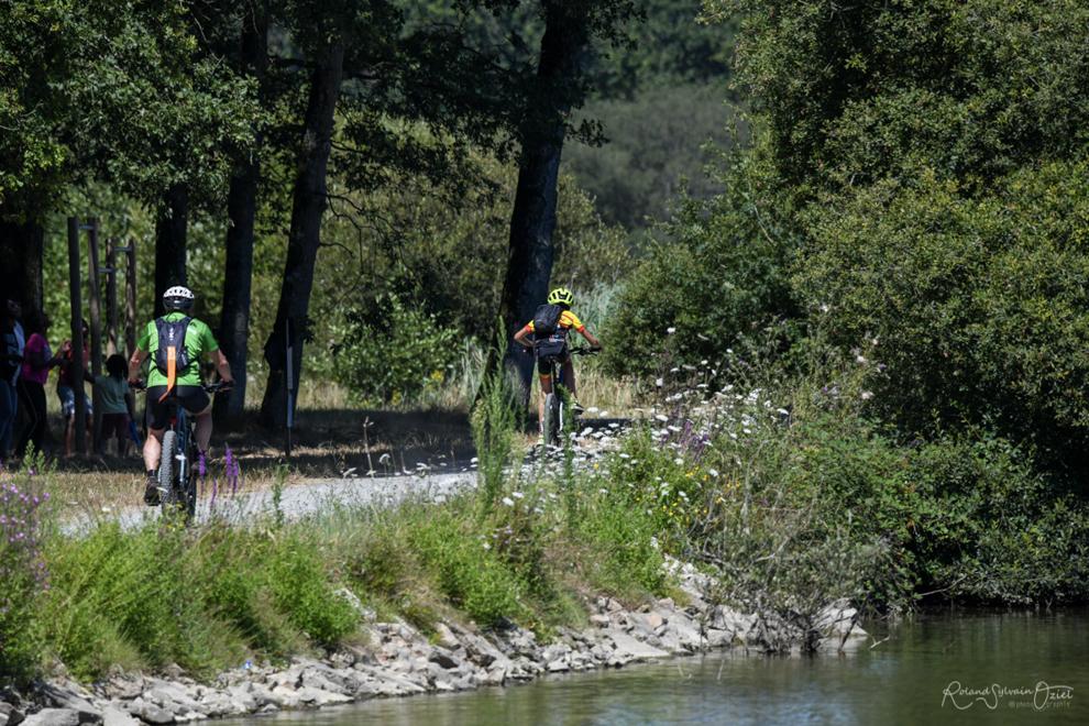 Balade à vélo autour du lac de tricherie