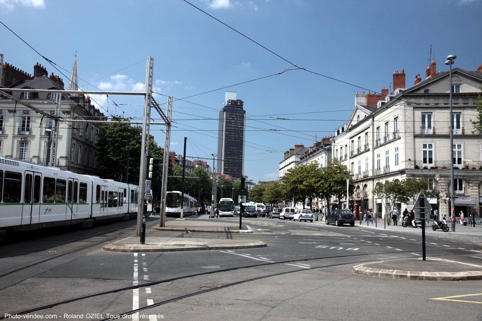 Tramway place du commerce à nantes