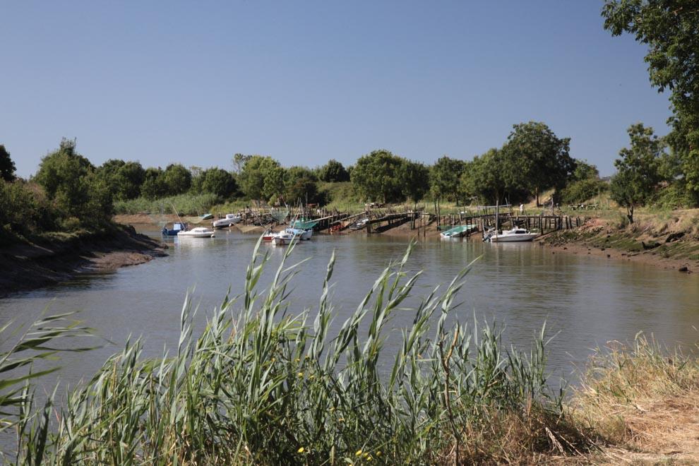 Canaux et ports du Marais Poitevin