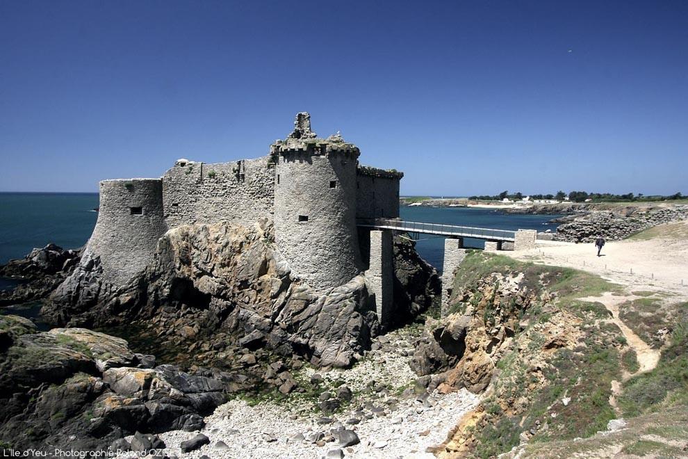 Le Vieux Château monument à visiter sur l'Ile d'Yeu.